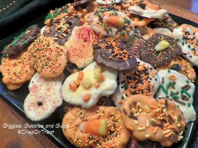 #CrispOrTreat: Halloween Dipped Pretzels with Candy Melts