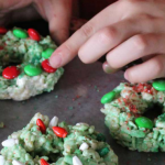 Rice Krispie Christmas Wreaths | Mini Chef Mondays