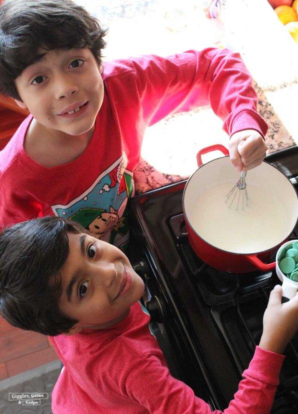 grinch green hot chocolate2