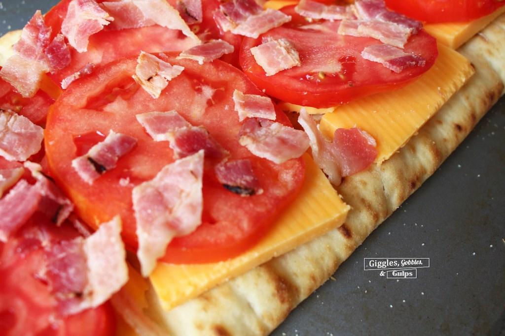 jersey tomato bacon flatbread
