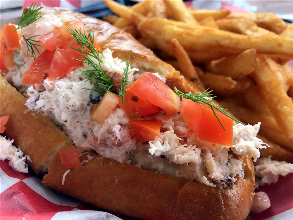 crab and shrimp roll
