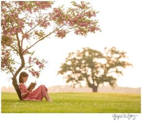 Gigi's Joy Photography: Racine Children Portrait girl reading tree