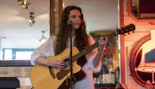 Evie Moran – Strong Songwriting & A Beautiful Voice!