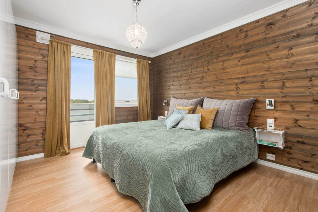 a clean and attractive bedroom