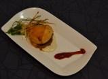 Hamburguesa de Hojaldre con huevo de codorniz (La Boquer+¡a)