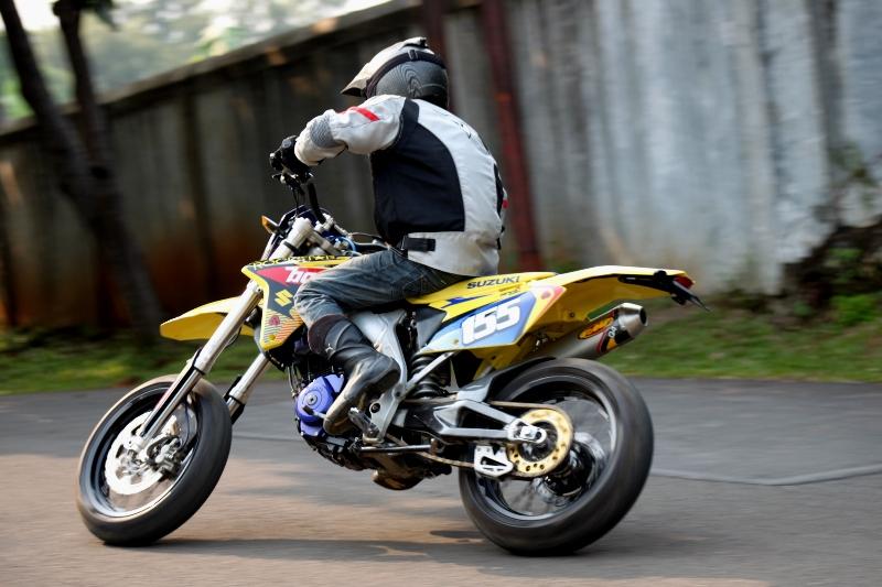 https://i0.wp.com/gilamotor.com/wp-content/uploads/2011/11/Suzuki-Satria-Supermoto-23.JPG
