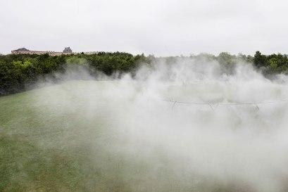 olafur_eliasson_versailles_fog_assembly