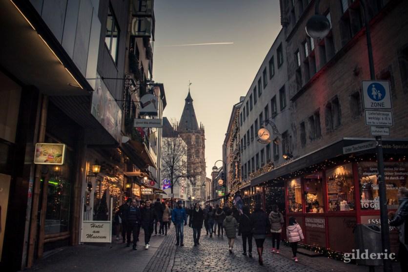 Ambiance de fêtes dans les rues de Cologne
