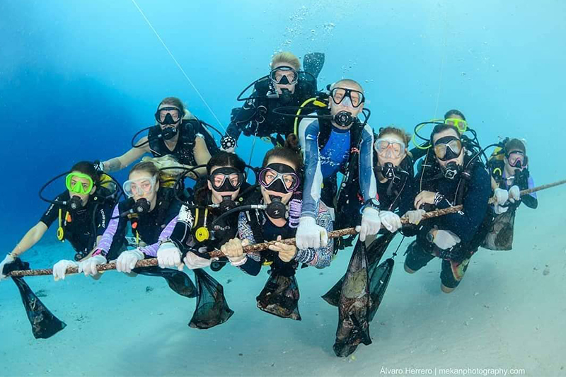 Gili Divers Reef Clean