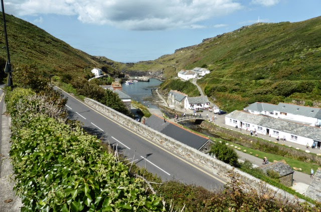 Descending to Boscastle