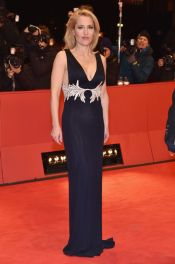 gillian-anderson-at-viceroy-s-house-premiere-in-berlin_5