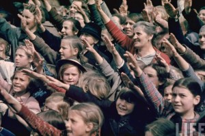 Austrian citizens saluting Hitler