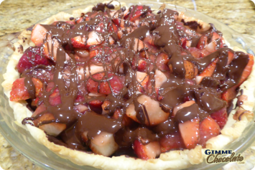 drizzle chocolate strawberry pie