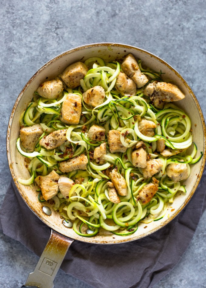 4 ingredient Garlic Chicken Zoodles   Gimme Delicious