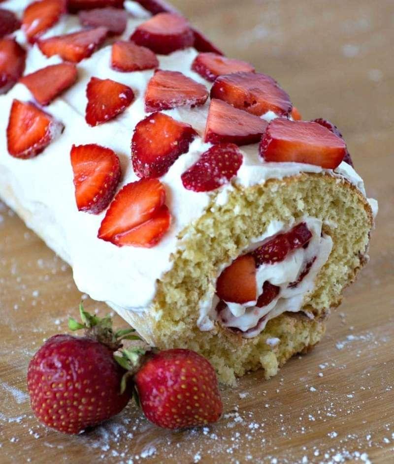 Strawberry cake roll dessert recipe