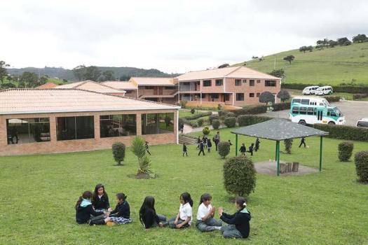 3 Colegio gimnasio campestre los alpes