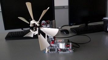 LEGO robot (2)