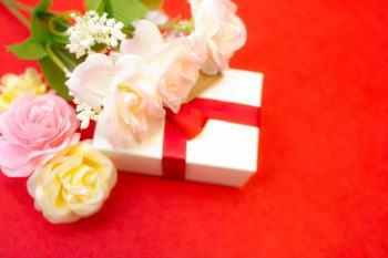 結婚祝いのお返し!友達におすすめグッズTOP10がこれ!