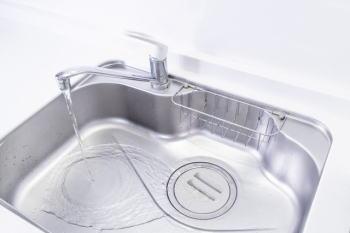ラバーカップ代用ペットボトルで洗面台の排水詰まりを解消する方法!?