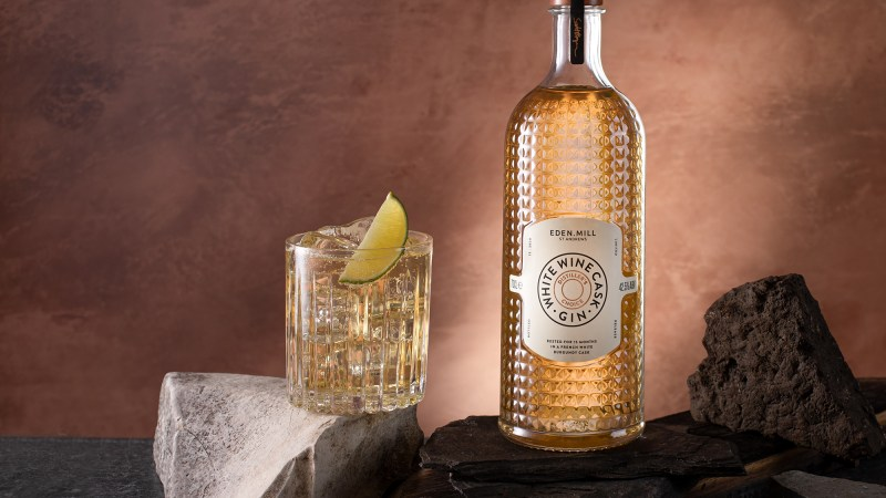 Eden Mill Distiller's Choice White Wine Cask-Aged Gin perfect serve