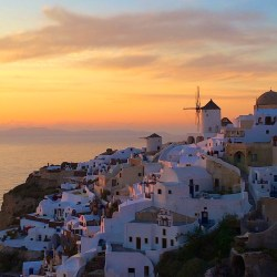 Santorini Sunsets for Your Wanderlust Pleasure