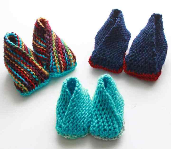 Crossover Booties Knitting Pattern