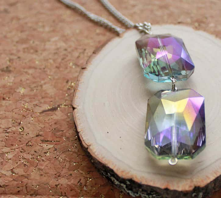 Jewelry DIYs That Can Be Made in 15 Minutes
