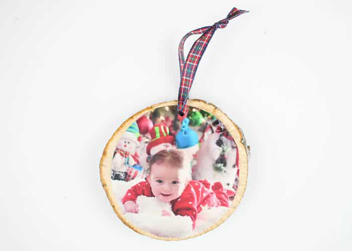 Foolproof Way to Make Wood Slice Photo Ornaments