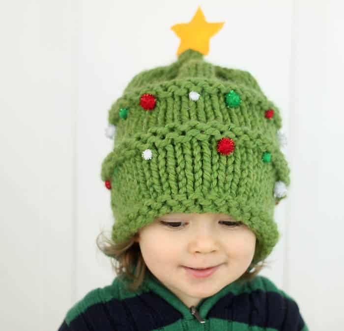 Free Christmas Baby Hat Knitting Pattern