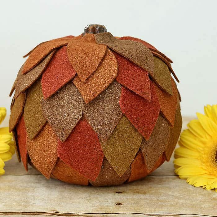 Felt Pumpkin Thanksgiving Centerpiece DIY