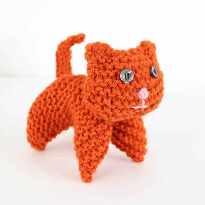 Flat Knit Plush Cat Knitting Pattern
