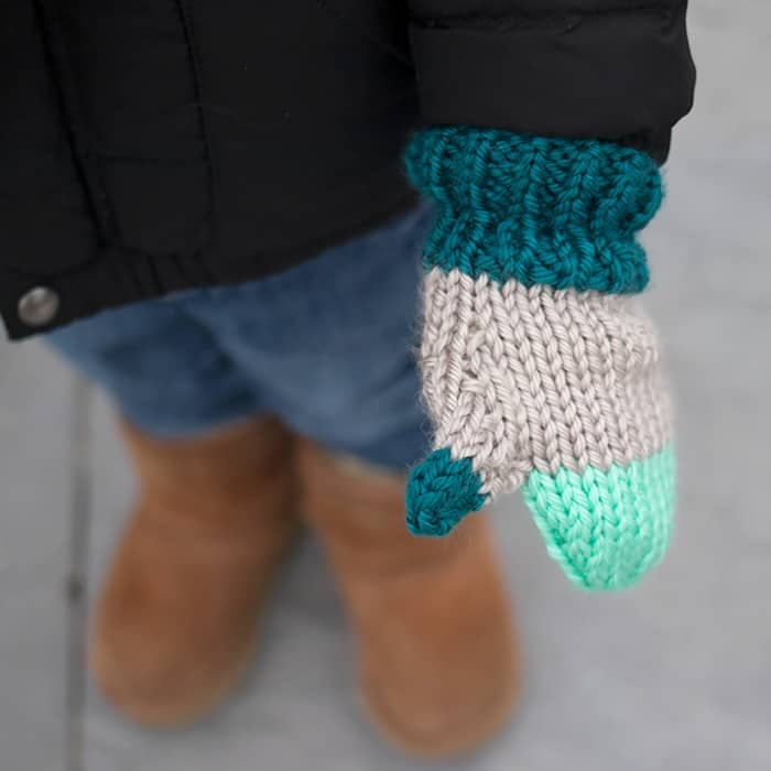 Flat Knit Kids Mittens Free Knitting Pattern