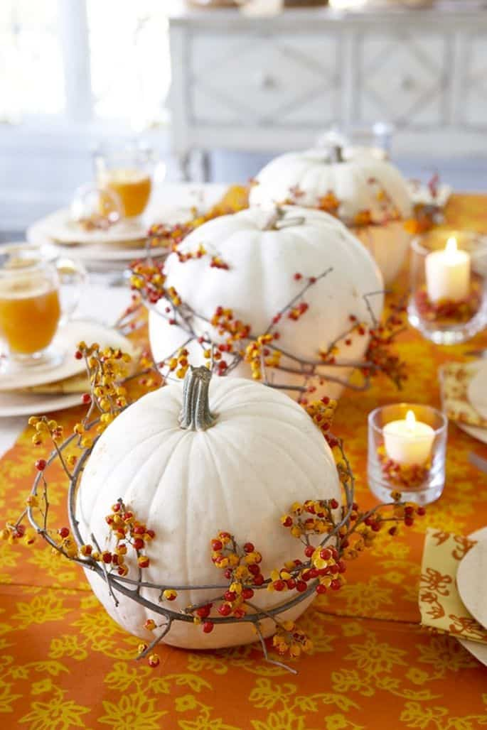 Farmhouse Thanksgiving Table Setting
