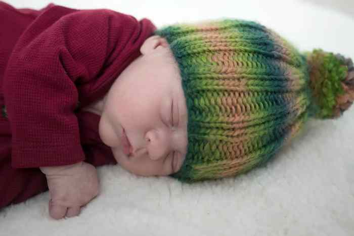 Newborn Ribbed Hat Knitting Pattern