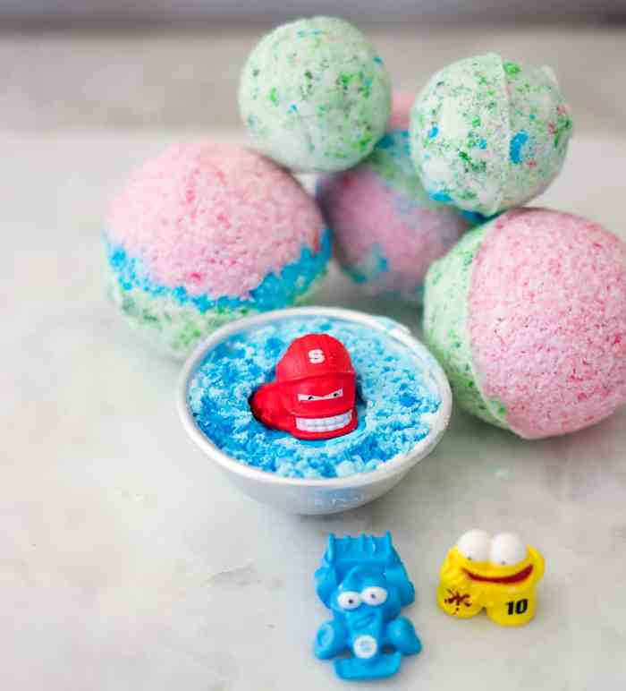 How to Make Bath Bombs with Prizes Inside- great gift for kids!