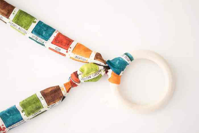 How to Sew a Teether Necklace for Mom