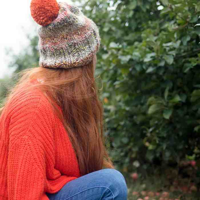 https://gina-michele.com/2019/09/textured-slouch-hat-knitting-pattern.html