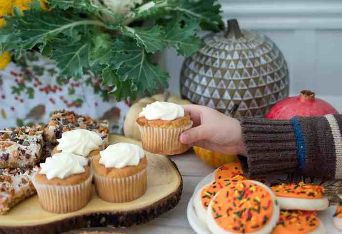 Thanksgiving Dessert Table and DIY Decoupage Centerpiece