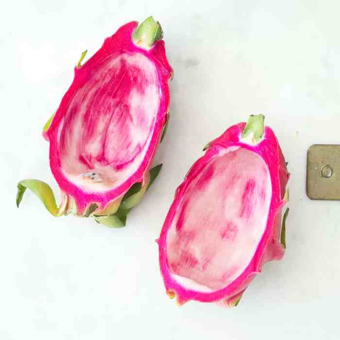 Dragon Fruit Boats -Easy Plant Based Breakfast