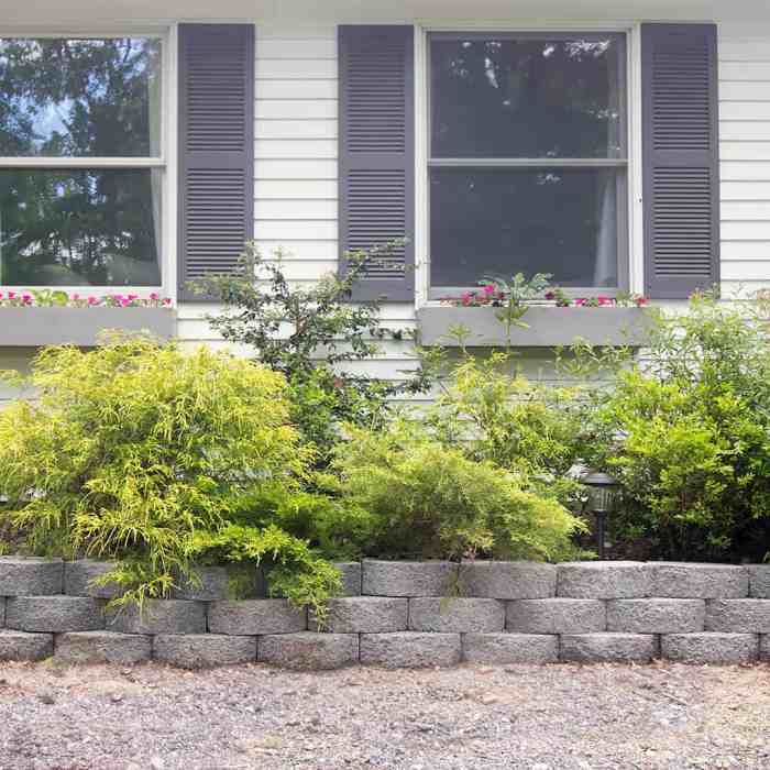 Easy DIY Retaining Wall Planter