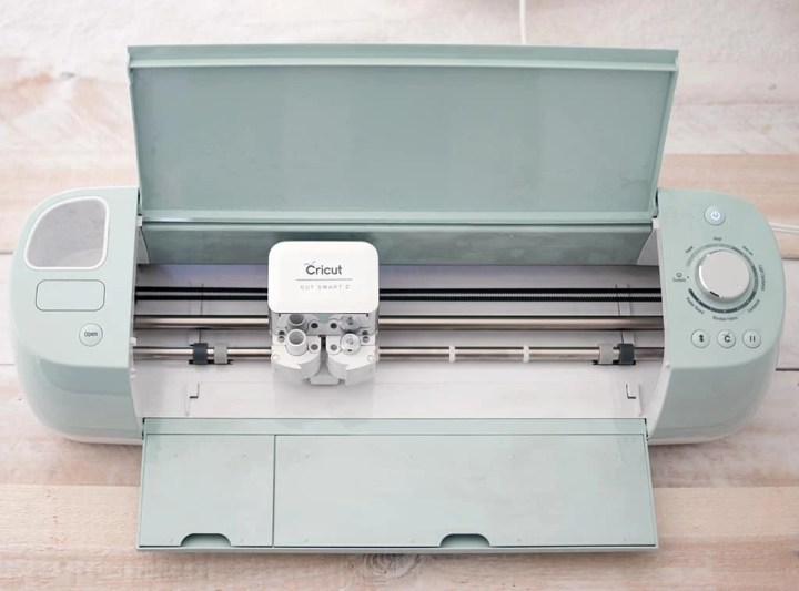 Beginner's Guide to the Cricut Explore Air 2