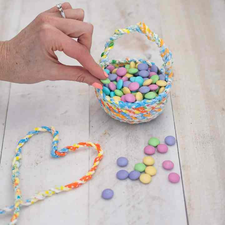 How to Sew Fabric Twine Easter Baskets
