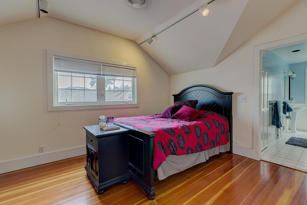 43-45 Grand Bed