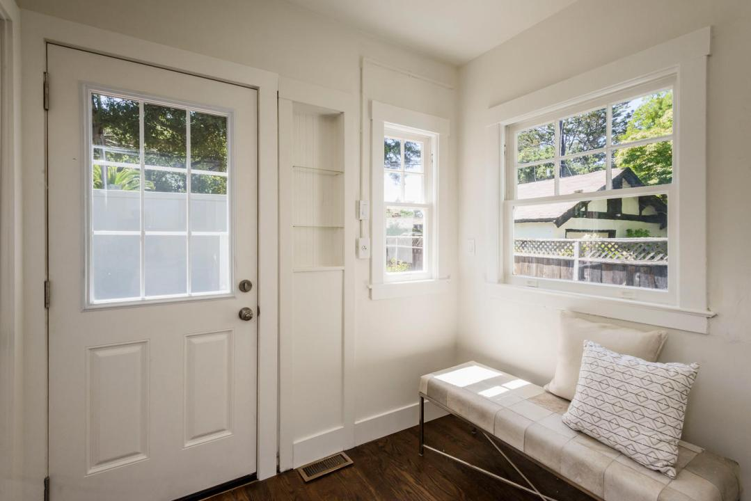 747 Occidental Ave San Mateo-large-013-12-Mudroom-1499x1000-72dpi