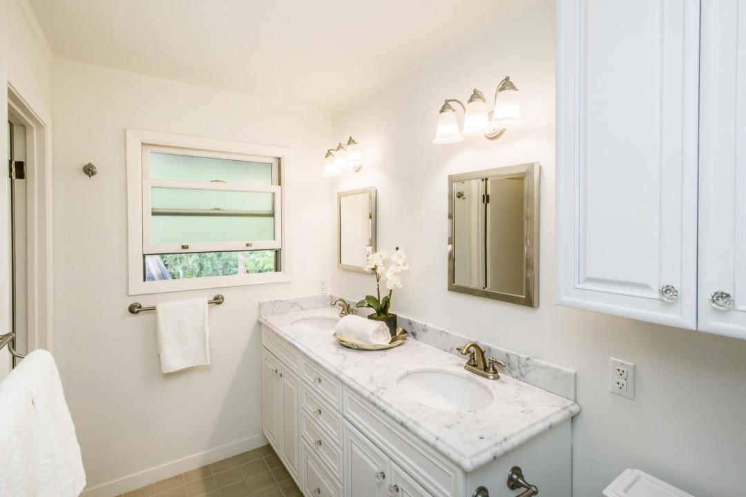 3029 Canyon Rd Burlingame CA-large-021-21-Master Bath-1500x1000-72dpi