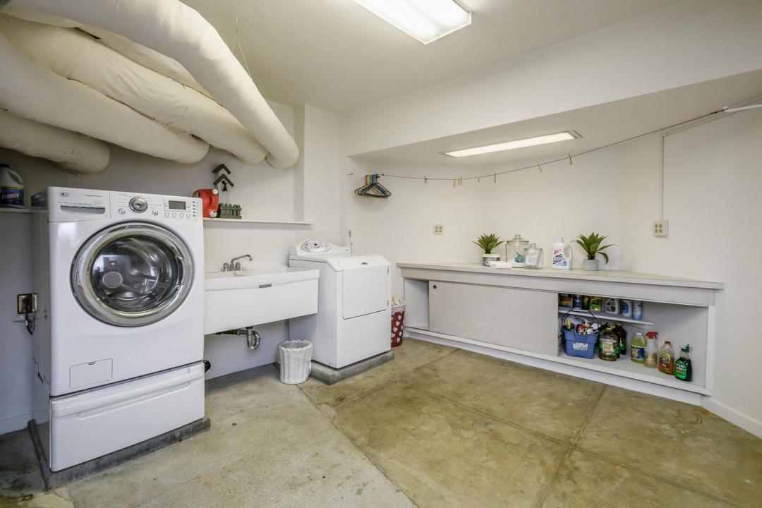 133 Ridgeway Rd Hillsborough-large-044-40-Laundry-1500x1000-72dpi