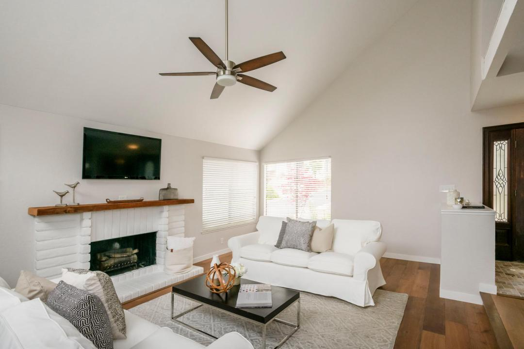 327 Green Hills Dr Millbrae CA-large-006-17-Living Room-1500x1000-72dpi
