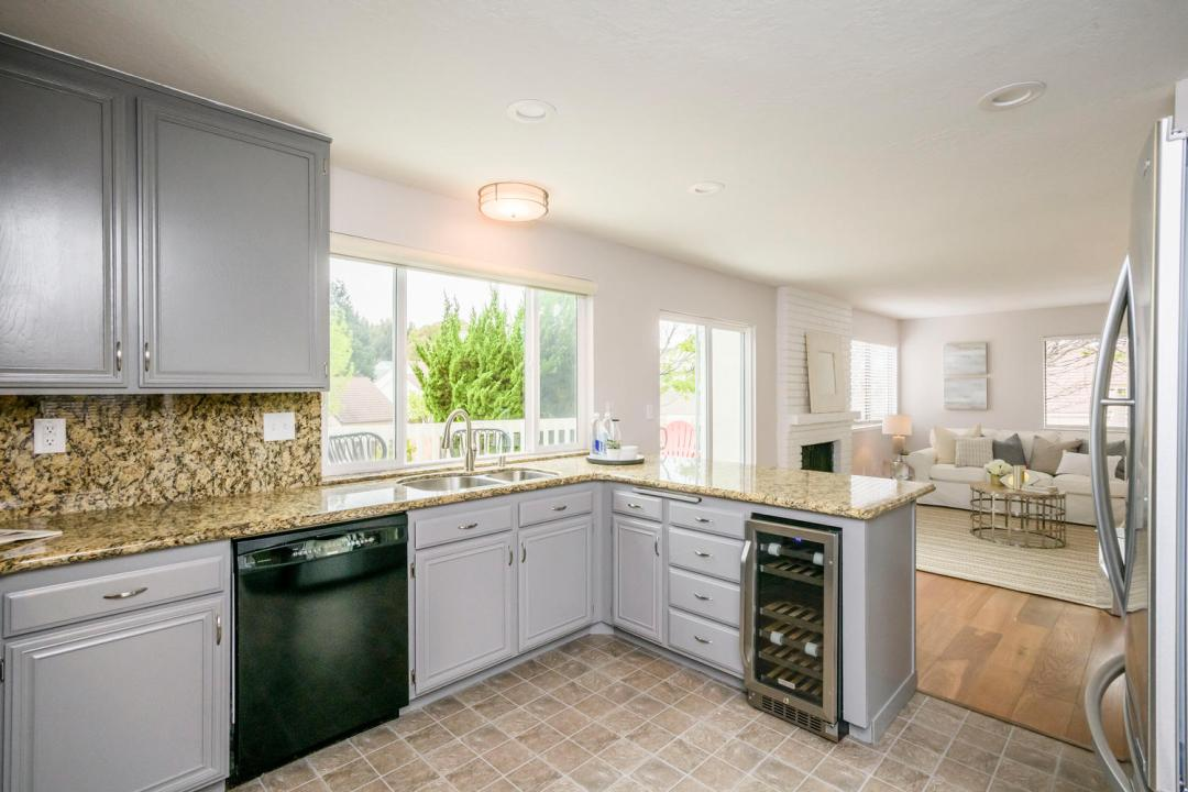 327 Green Hills Dr Millbrae CA-large-011-25-Kitchen-1500x1000-72dpi