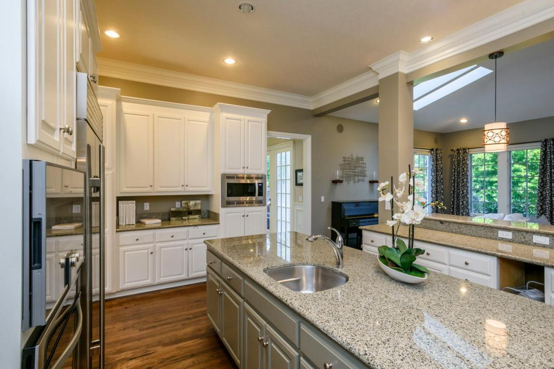 724 Edgewood Rd San Mateo CA-large-011-30-Kitchen-1500x1000-72dpi