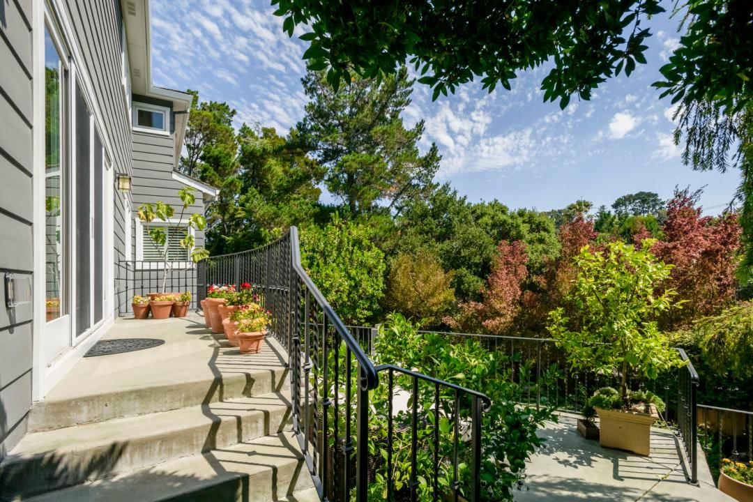 108 La Loma Ln Burlingame CA-large-012-7-Patio-1500x1000-72dpi